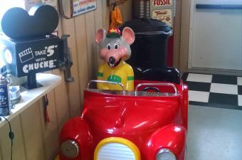 Chuck E Cheese Photo Car